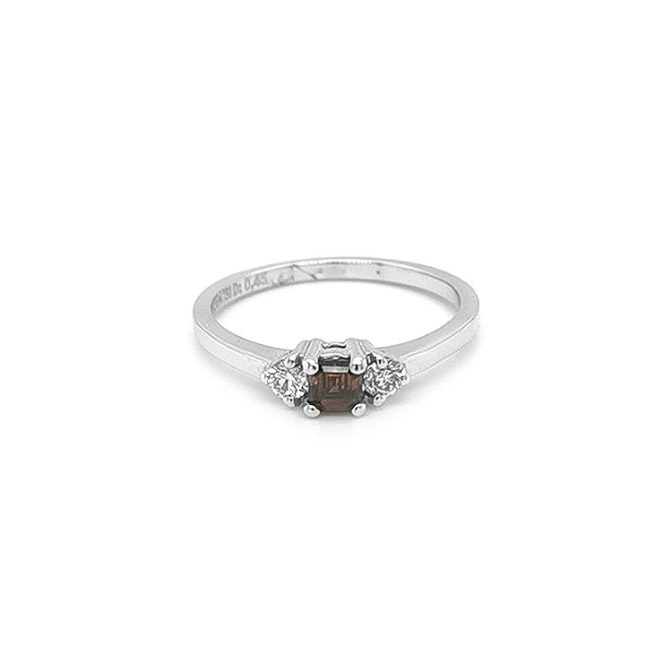 Zlatý Prsten s Hnědým a Bílými Diamanty