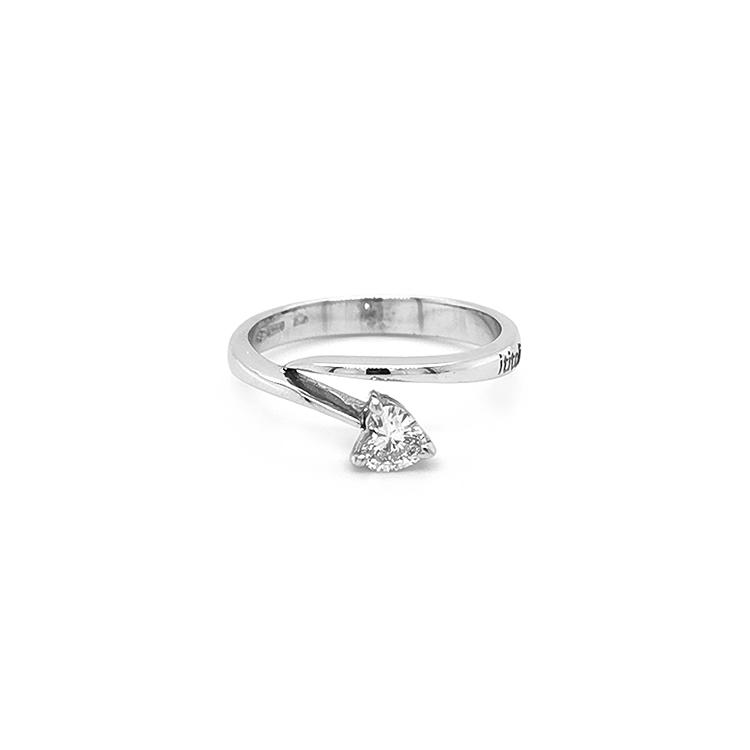 Zlatý Zásnubní Prsten s Diamantem ve Tvaru Srdce