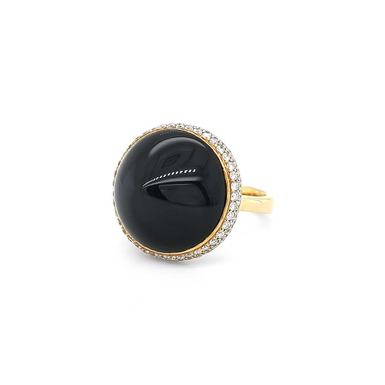 Zlatý Prsten s Onyxem a Diamanty
