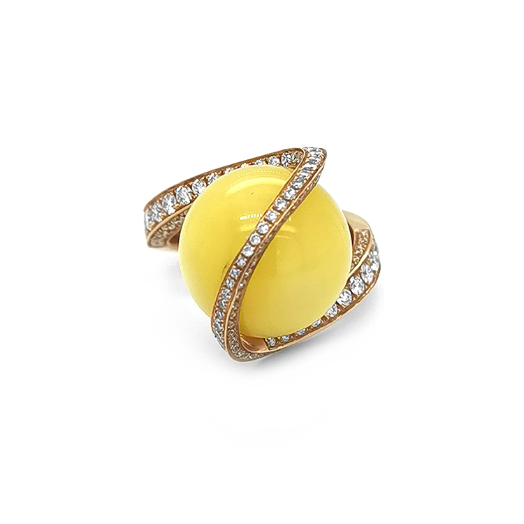 Zlatý Prsten s Jantarem a Diamanty