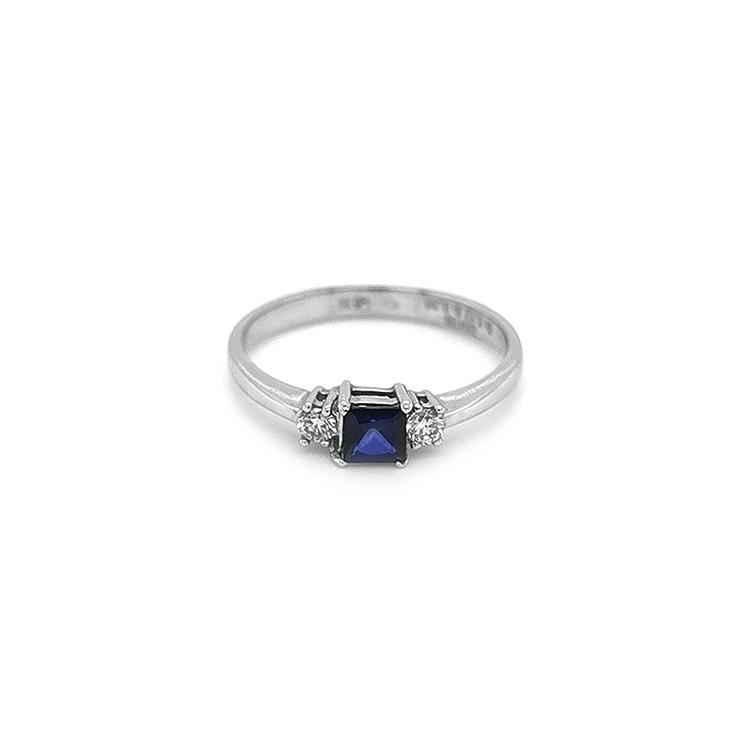 Zlatý Prsten se Safíem a Diamanty