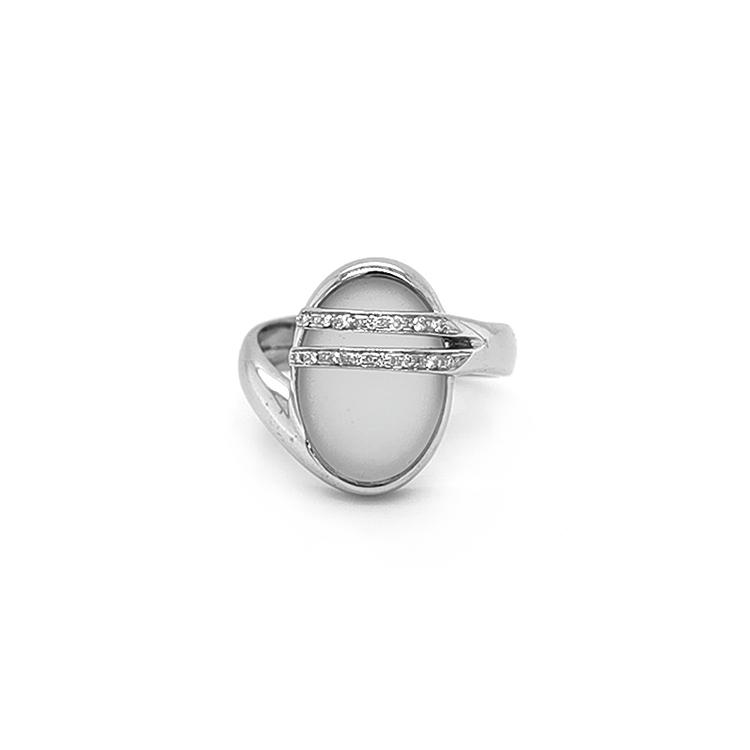 Zlatý Prsten s Quartzem a Diamanty