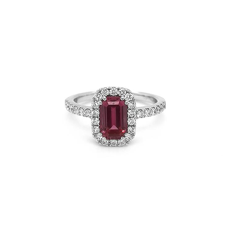 Zlatý Prsten se Červeným Spinelem a Diamanty
