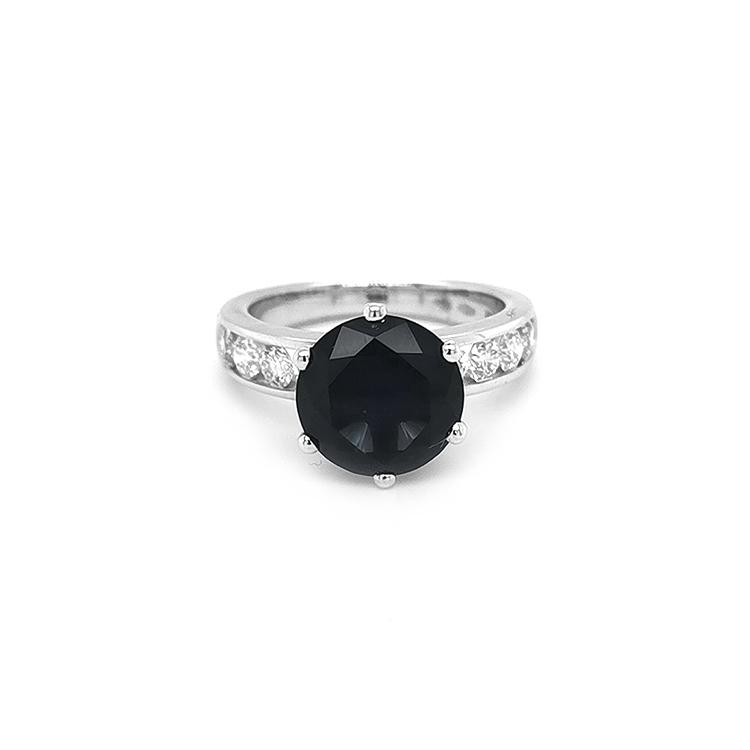 Zlatý Prsten s Modrým Spinelem a Diamanty