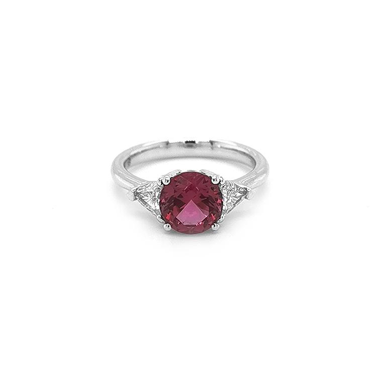 Zlatý Prsten s Červeným Spinelem a Diamanty