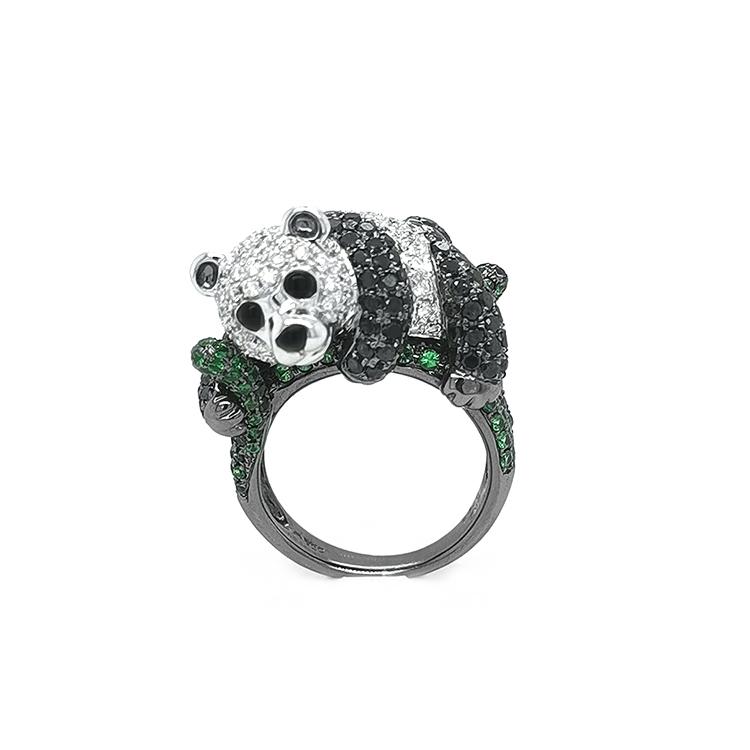Zlatý Prsten s Zelenými Granáty, Černými a Bílými Diamanty