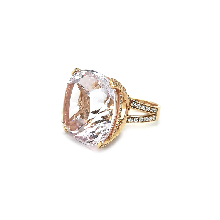 Zlatý Prsten s Morganitem a Diamanty