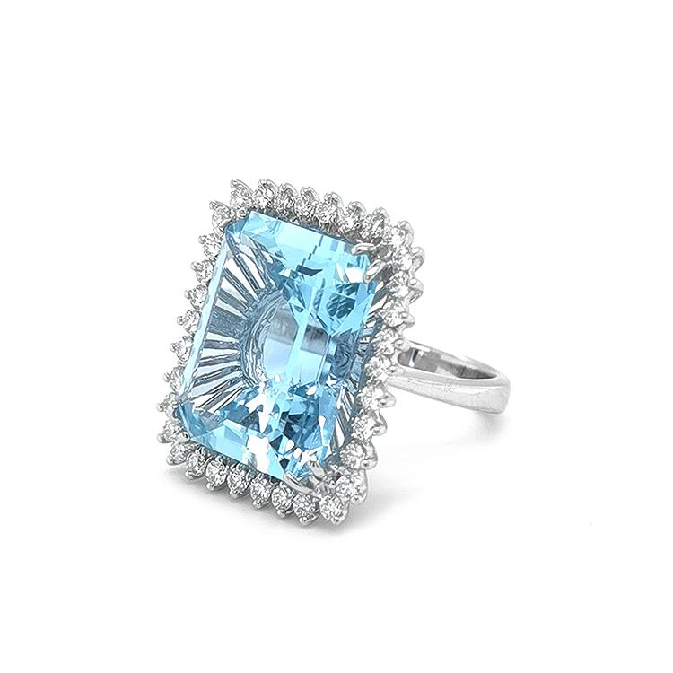 Zlatý Prsten s Akvamarinem a Diamanty
