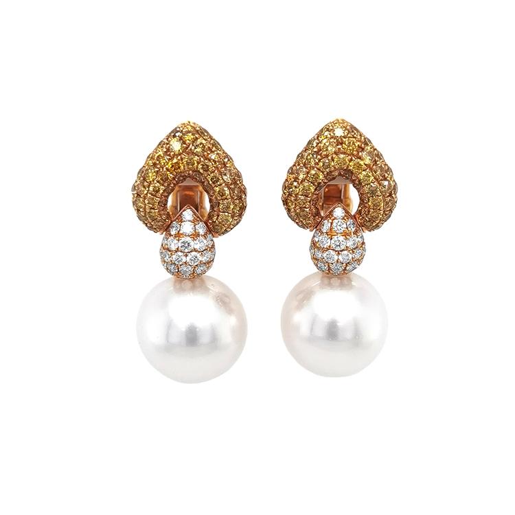 Zlaté Náušnice s Přírodnými Perlamy a Diamanty
