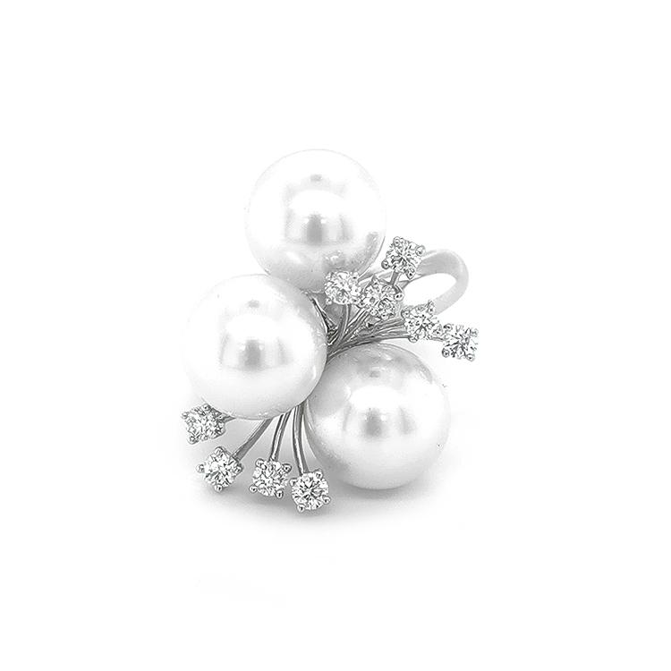 Zlatý Prsten s Přílodnými Perly a Diamanty