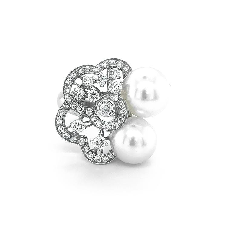 Zlatý Prsten s Přírodnými Perlami a Diamanty