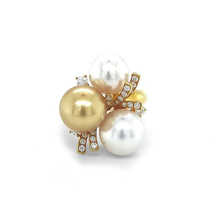 Zlatý Prsten s Přírodnými Perlamy a Diamanty